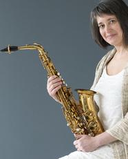Sophie POULIN DE COURVAL Ambassadrice Ligature JLV pour saxophone