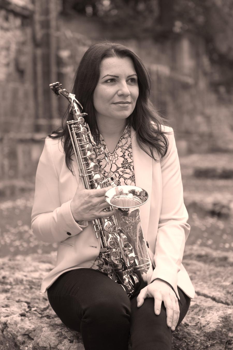 Véronique TARDIF Ambassadrice Ligature JLV pour saxophone